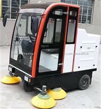 江西電動駕駛式掃地機  吸掃粉塵用電動駕駛式掃地吸塵機