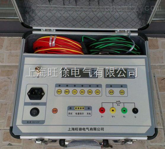 感性负载直流电阻测试仪批发产品简介 变压器绕组的直流电阻测试是变压器在交接、大修和改变分接开关后,必不可少的试验项目。通过测量变压器绕组的直流电阻,可以检查出引线的焊接或连接质量,绕组有无匝间短路或开路,以及分接开关的接触是否良好等情况。在以前对直阻的测量均采用QJ44双臂电桥来测量,而这类电桥的测量电流为毫安级,测量起来时间需要很长,而且精度也较低。为了改变这种状况,缩短测量时间以及减轻测试人员的工作负担,本公司开发了STZZ-2A直流电阻快速测试仪。 本产品是取代直流单、双臂电桥的高精度换代产品。仪器