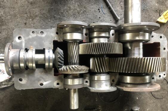 逆时针:DCY224-40-1N硬齿面减速机