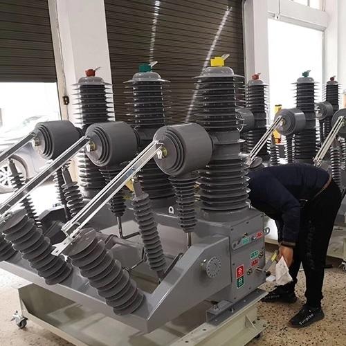 真空断路器35KV配用弹簧储能操作机构