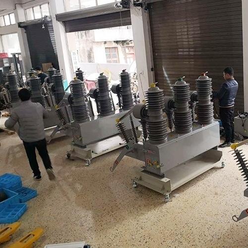 四川德阳发电厂35KV高压断路器