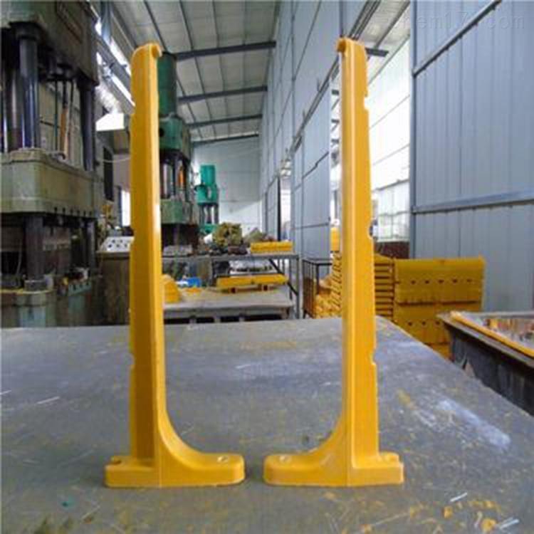 云南预埋件托臂玻璃钢电缆支架施工流程