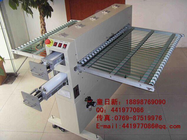 静电除尘机 系列应用范围: (1)印刷电路板:软性电路板,铜箔基板,聚亚