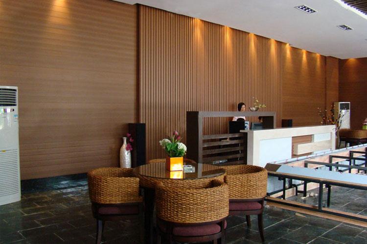 樟树生态木长城板,饭店酒店包厢墙裙装饰板