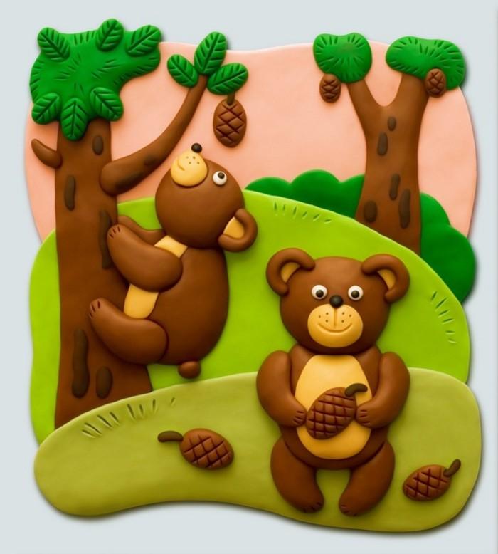 时候就喜欢和小伙伴们一起用泥巴筑房子垒院子捏成各种各样的小动物