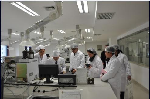因为实验室仪器设备对电路的要求比较复杂,并不是通常人们所认为的